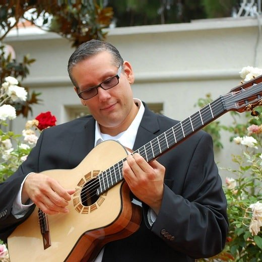 <strong>Classical Guitarists</strong> for Cinco De Mayo
